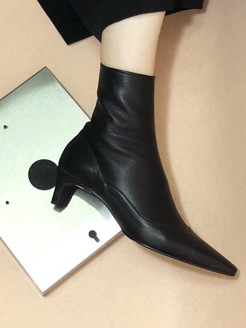 Uv Slim Ankle Boots Black | W Concept
